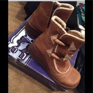 American Eagle Destroy Leather Boots/Size 9